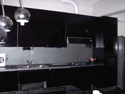 Cucina nera lucida transappenninica - Cucine nere lucide ...